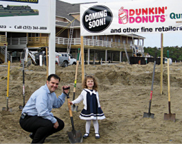 Greg_Nigro_2-at_nags_head_dunkin_donuts_ground_breaking_11-27-2007
