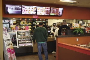 Independent_Joe_18_Dunkin_Donuts_electronic-sign-avon-I