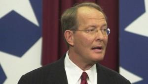 Tennessee Senator Lamar NLRB