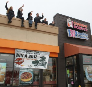 "In just 1 day, Illinois Dunkin' Donuts raised $243,000 for Special Olympics during ""Cops on the Roof."""