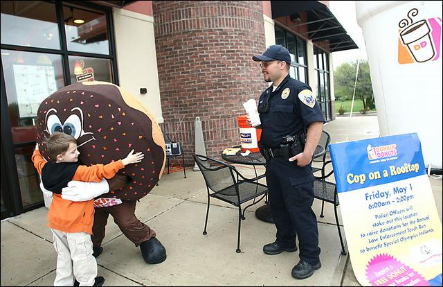 Indiana Dunkin Donuts Police In Special Olympics Fundraiser Ddifo Ddifo